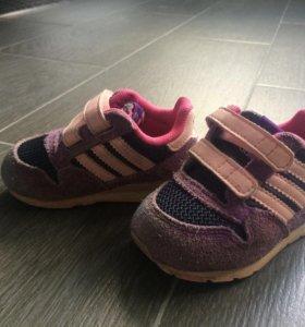 Кроссовки Adidas 19 размер