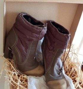 Ботинки на каблуке.