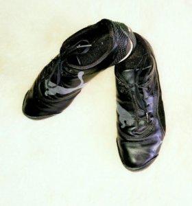 Кроссовки 40р-р PUMA кеды обувь