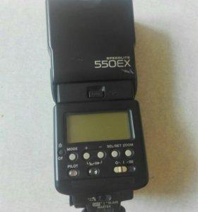 Фотовспышка Canon 550EX