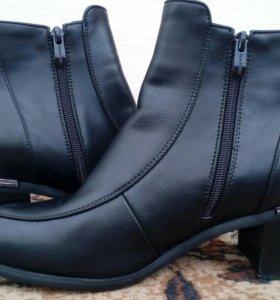 Ботинки 38-39 размер