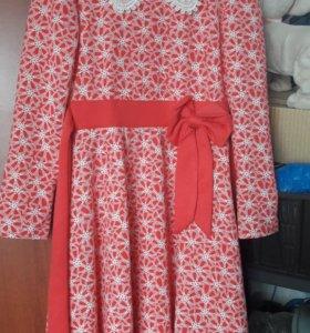 Платье на девочку рост 134-140