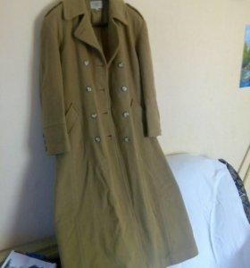 Пальто женские 48 и 50 размеров