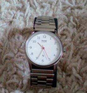 Часы HMT Quartz