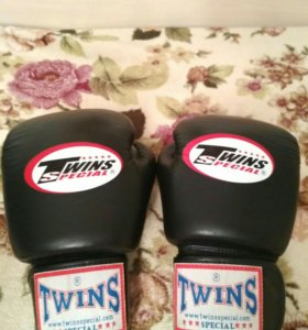 Боксерские перчатки TWINS SPECIAL, 10 унций
