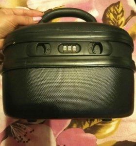 Маленький чемоданчик