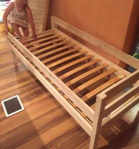 Кроватка детская 160*60 с матрасом и реечным дном