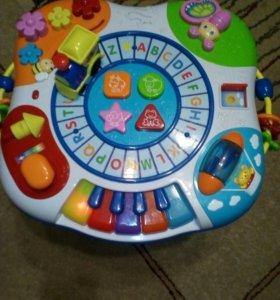 Стол развивающий BabyGo
