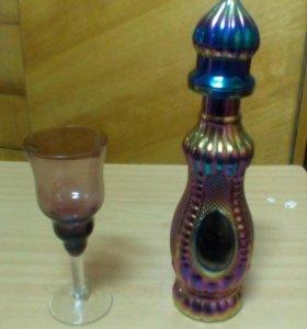 Бокал и хрустальный бутыль с крышкой
