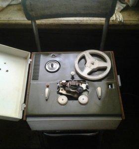 Катушечный магнитофон ЯУЗА-5