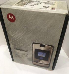 Комплект от Motorola razr v3i