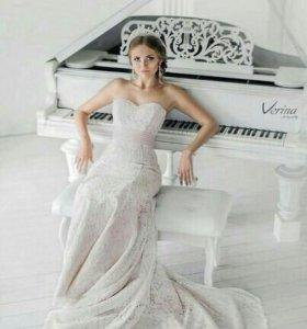 Новое свадебное платье оригинального цвета