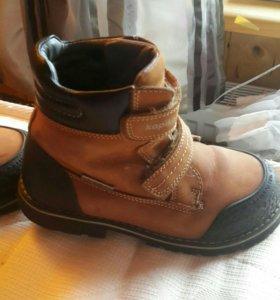 Кожаные зимние ботинки р 30
