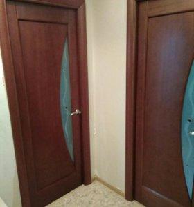 Двери межкомнатные 3 штуки
