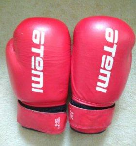 Боксёрские перчатки 8oz