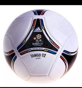Футбольный мяч евро 2012