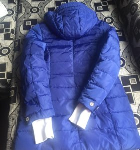 Зимняя куртка на пуху.