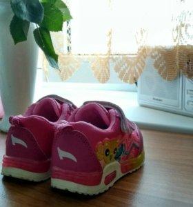 Детские кроссовки для девочки р.20
