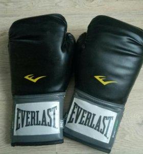 Перчатки everlast.