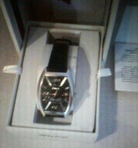 Часы Ника в серебряном корпусе