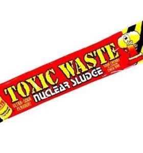 Жевательная конфета Toxic Waste ВИШНЯ
