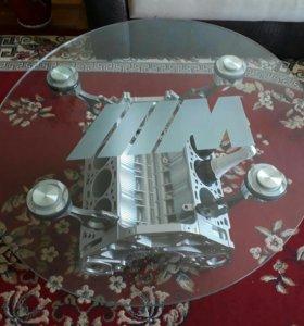 Журнальный столик из мотора BMW