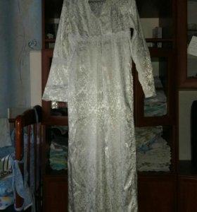 Платье на никах.