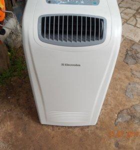 Кондиционер   (air conditioner EACM12E/Rнапольный