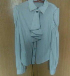 Школьная блузка (почти новая)