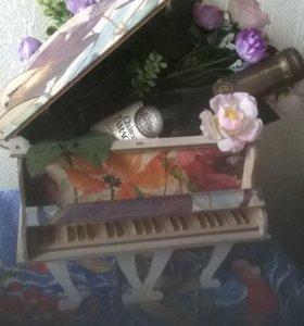 Сувенир рояль, декупаж