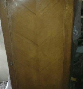 Продам шкаф старинный