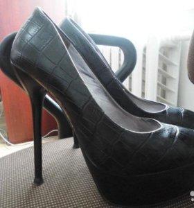 Обувь (туфли)
