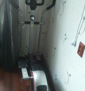Эллиптический тренажер HouseFit