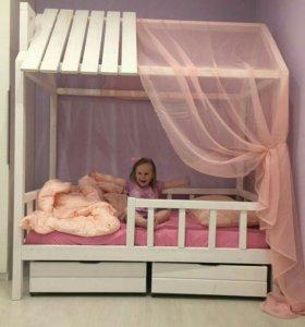 Кровать домик