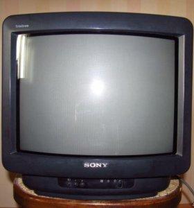телевизор lg 37 cм стерео б.у. мало