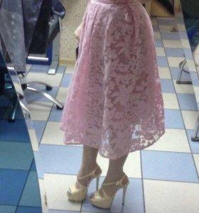 Кружевная юбка миди