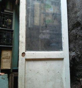 Дверь остекленная