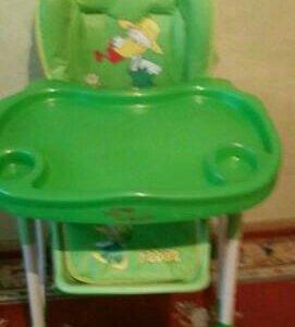 Детский столик,такой же только синего цвета