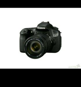 Зеркальная фотокамера Canon 60 D с объективом