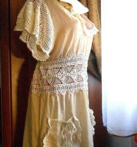 Платье лняное с кружевом