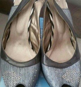 Туфли женские новые!!!