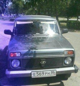 Автомобиль Нива 2131 2011года