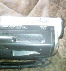 Продам видео-камеру