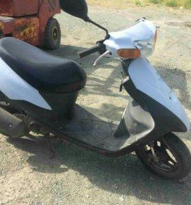 Скутер Suzuki let's 2 new