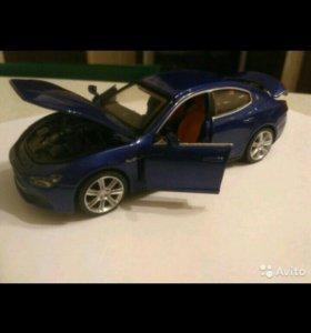 Игрушечная машина (машинка) Maserati
