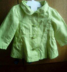 2 Пальто детские, фирменные. От 6 месяцев