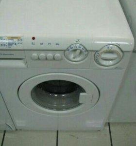 Машинка стиральная новая Электролюкс