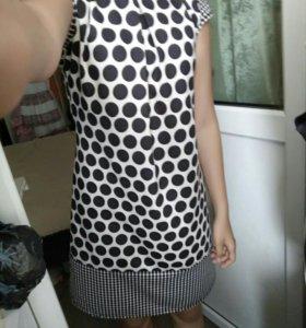 Платье чёрно-белое в горошек