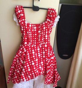 Платье красное в белый горошек