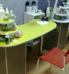 Кресла и стол маникюрные